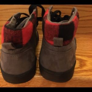 Old Navy Shoes - Old Navy Boys Shoes size 4